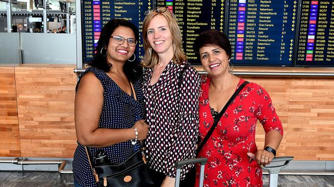 <p><b>VENNINNETUR</b>: Sonia Kaur, Brita Myreng og Usha Mahe skal til Polen for å feire bursdagen til Mahe. De planla på forhånd å reise et sted der kronekursen ville være stabil.</p>