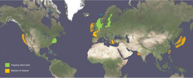 <p>Kværner melder at de allerede jobber med studier for kunder på mulige havvindprosjekter i Nordsjøen, Østersjøen og nordøstkysten av USA (markert i grønt). Selskapet har samtidig blikket på muligheter i Atlanterhavet, Den engelske kanal, Hellas, India, Taiwan, Japan og Vestkysten av USA (markert i gult).</p>