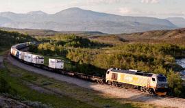 SALTFJELLET: Nordlandsbanen går i dag til Fauske og Bodø - fortsatt med dieseltog.