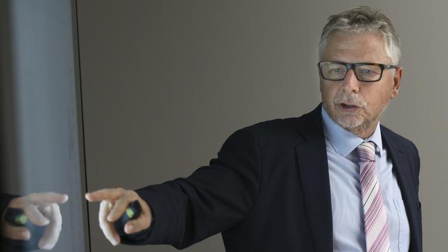 <p><b>SJEFANALYTIKER:</b> Erik Bruce er sjefanalytiker i Nordea Markets.</p>