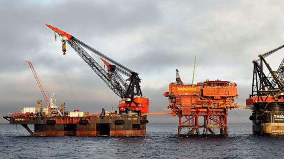 <p><b>OPPHUGGING:</b> LO-foreningen Industri Energi frykter dårlige lønns- og arbeidsvilkår også kan ramme arbeidere ved norske plattformer, nå som flere fjernings- og demonteringsoppdrag skal utføres. Bildet viser Murchison-plattformen som nå demonteres.</p>