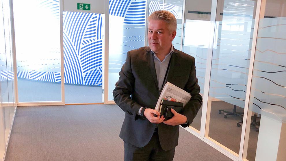 <p><b>PASSER PÅ SJEKKHEFTET:</b> Pål Eitrheim, direktør for anskaffelser i Statoil, leder en avdeling som betjener behovene til 40 offshoreinstallasjoner. I tillegg til de ansatte i Norge og USA, bygger innkjøpsavdelingen nå opp ressurser i Brasil for å håndtere de store prosjektene der.</p>
