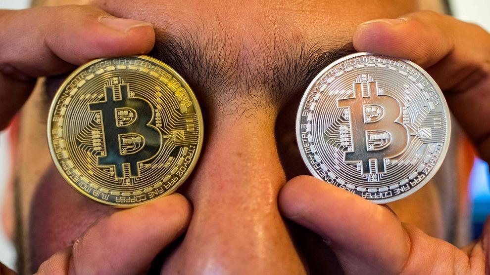 <p><b>BITCOIN-FEBER:</b> Etter et mørkt 2018, har pilene pekt opp for bitcoin i år. Kursen er mer enn doblet siden nyttår.</p>