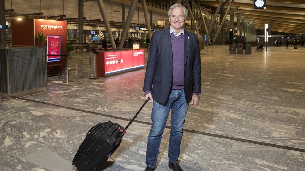<p>Konsernsjef Bjørn Kjos i Norwegian avbildet på Oslo Lufthavn</p>