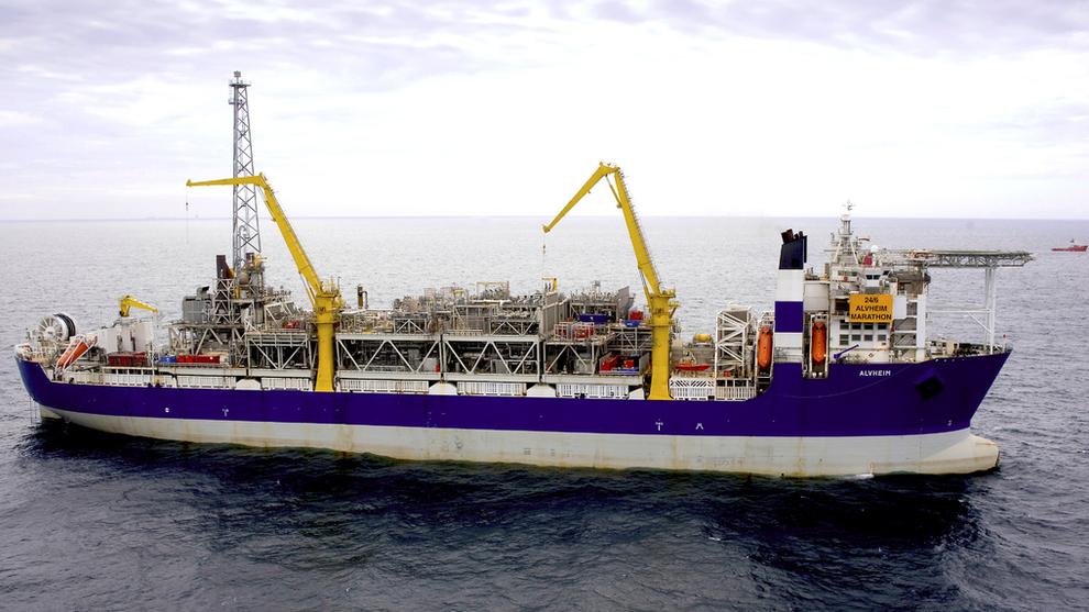 <p>Aker BPs flytende produksjonsfartøy (FPSO) på Alvheim-feltet i Nordsjøen. Det er til dette feltet at funnene Frosk og Froskelår vil bli koblet til.</p>