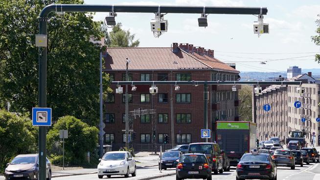 <p><b>PISK</b>: Oslo har fått et nytt bompengesystem, men bompenger løser ikke alt, påpeker MDG-byråd Arild Hermstad. Derfor har de også innført en støtteordning for private bedrifter.</p>