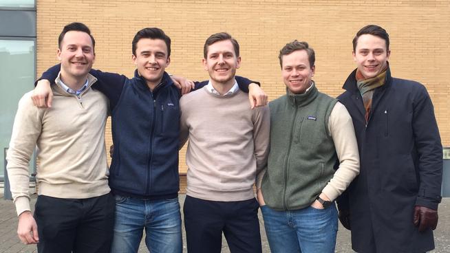 <p><b>NEST BEST:</b> ICMA Center, Henley Business School er studentlaget som har gjort det nest best etter tre handelsdager.Fra venstre Sjur Lorentzen, Jens Ferdinand Karvel, Anders Torsvik, Kristoffer Barth Skeie og Peter Bamrud.</p>