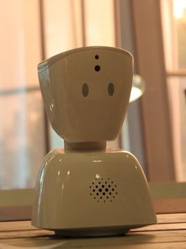 <p><b>FOR SAMFUNNET:</b> Den lille roboten skal kunne hjelpe flere grupper i samfunnet. Dolva er tydelig på at ingen produkter skal ut fra No Isolation uten at de er brukertestet «til det ikke finnes tvil igjen».</p>