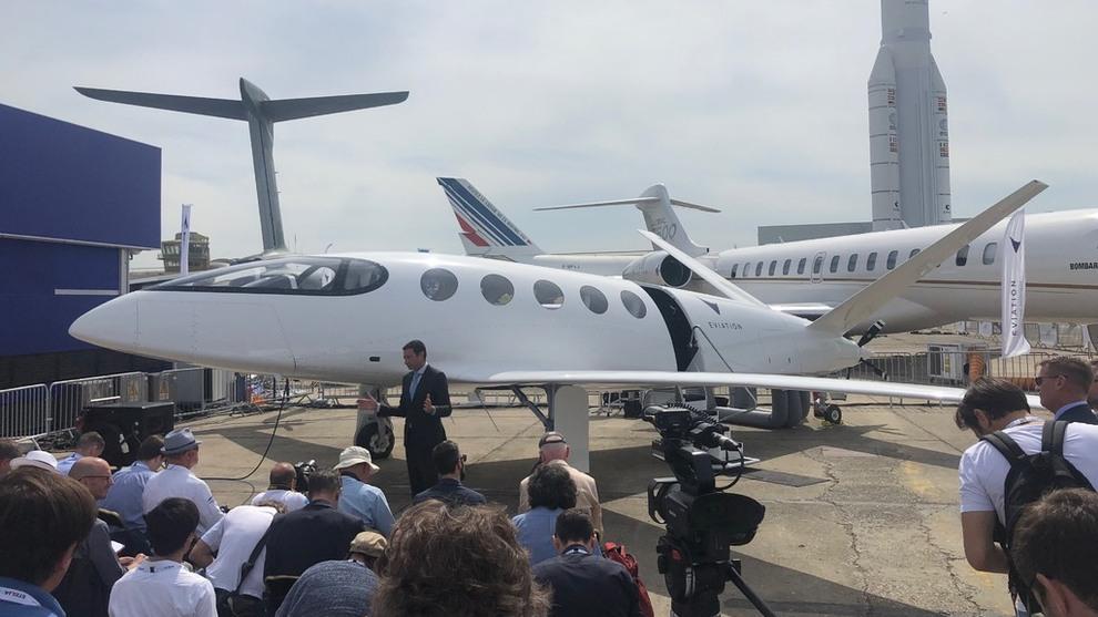 <p><b>STRØM I LUFTEN:</b> Under Paris Airshow var både gamle, nye, store og små aktører til stedet. En av dem er Eviation som viste frem sitt nye elfly.</p>