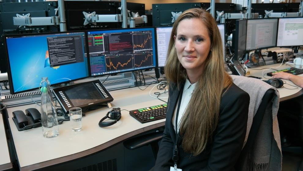 <p><b>RENTEREKORD:</b> Analytiker Jeanette Strøm Fjære i DNB Markets stusser over det siste fallet til ny bunnotering for pengemarkedsrenten.</p>