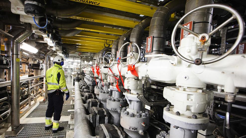 <p><b>STØTTER NÆRINGEN:</b>Flere fagforeninger holder torsdag en markering til støtte for oljenæringen, og ønsker stø kurs fra Arbeiderpartiet i oljepolitikken. Partiet skal ta stilling til et forslag om å verne en del områder utenfor Lofoten, Vesterålen og Senja, men konsekvensutrede oljeaktivitet i ett område. Dette er et illustrasjonsbilde fra Edvard Grieg-feltet i Nordsjøen.</p>