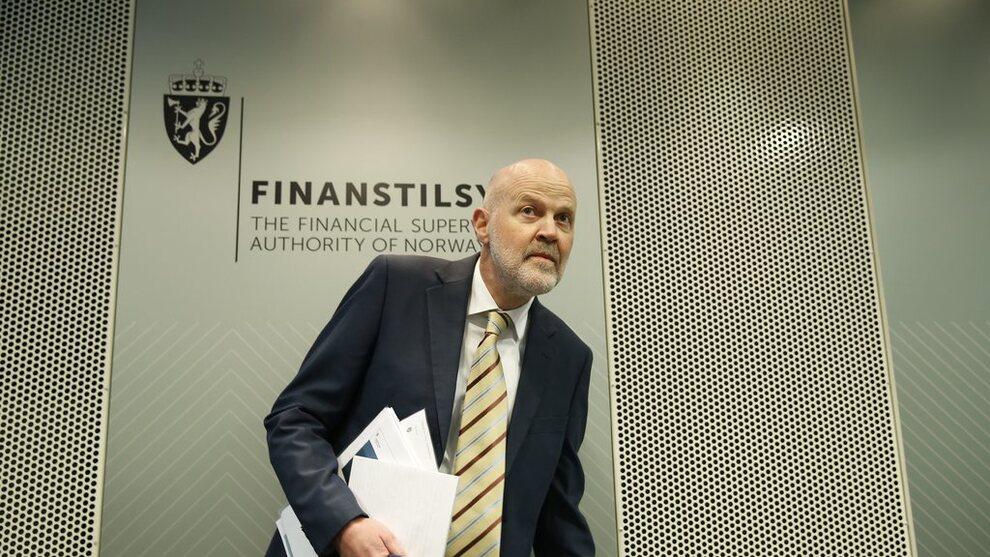 <p><b>FINANSIELLE UTSIKTER:</b> Direktør i Finanstilsynet Morten Baltzersen la fram utsiktene på Finanstilsynets pressekonferanse i Oslo onsdag.</p>