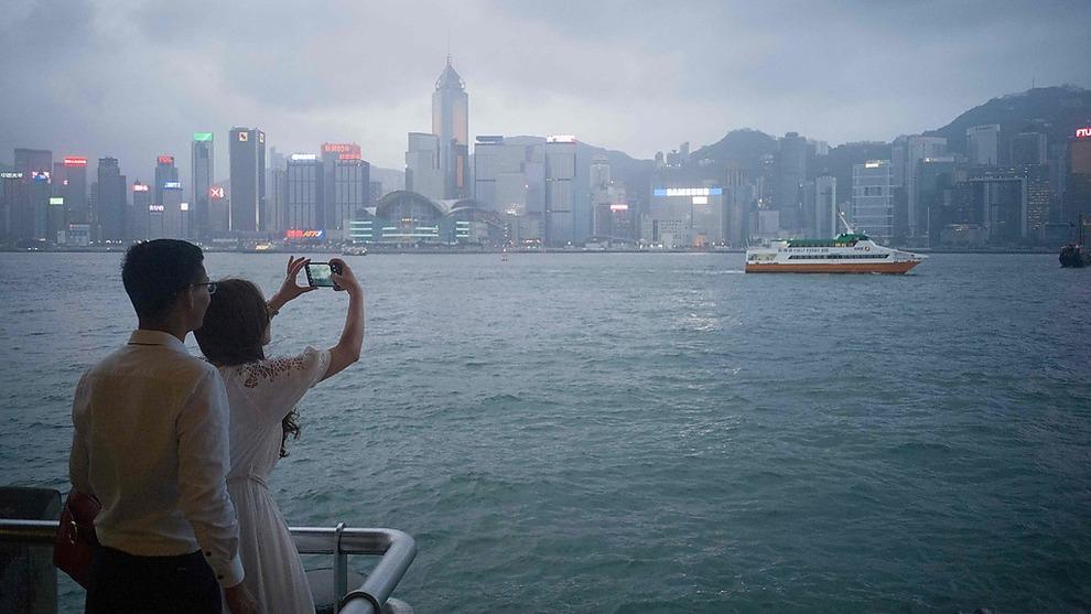 <p><b>SKAL BYGGE NYTT:</b> Hongkong trenger mer land - nå skal de bygge nytt. Her fra Victoria Harbour i den eksisterende byen.</p>