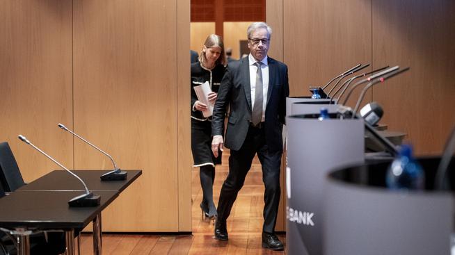 <p><b>RENTEBESLUTNING:</b> Sentralbanksjef Øystein Olsen gjør rede for hovedstyrets rentebeslutning torsdag morgen.</p>
