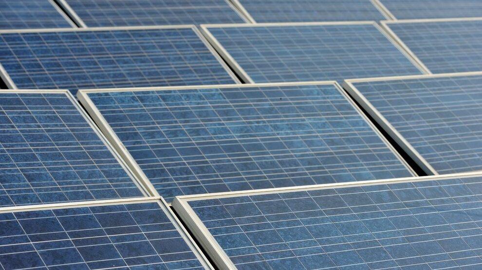 <p><b>SKRUDD AV:</b> Flere storprodusenter av solenergi skal ha skrudd av produksjonen av den miljøvennlige energien i sommer for å unngå å måtte betale innmatingstariff.</p>