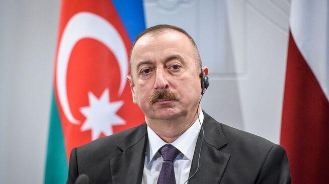 <p><b>KNYTTES TIL HVITVASKINGSSAK:</b> Regimet i Aserbajdsjan har gjennom flere år uhindret sendt penger gjennom Danske Banks estiske avdeling, skriver Berlingske i en ny artikkelserie. Her er landets President Ilham Aliyev.</p>