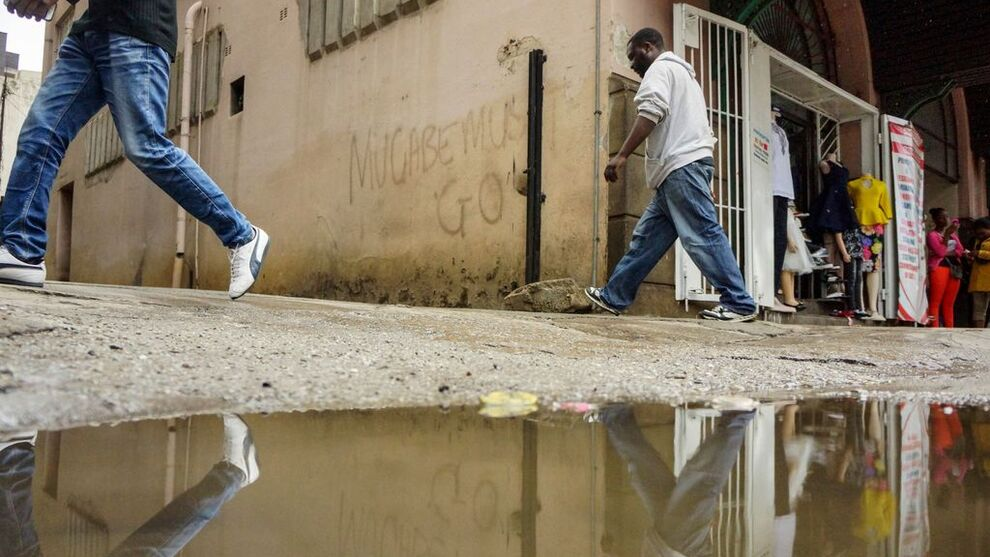 <p><b>JOBB:</b> Arbeidsløsheten i Zimbabwe er over 90 prosent, hevder fagforeninger, nå vil innbyggerne ha jobber.</p>