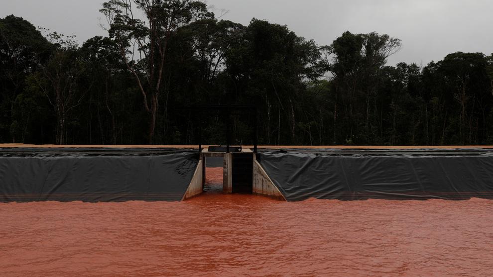 <p><b>BRASIL-TRØBBEL:</b> Hydro har måttet stenge ned 50 prosent av produksjonen ved Alunorte i Brasil. Her del av et dreneringssystem tilknyttet aluminaraffineriet.</p>