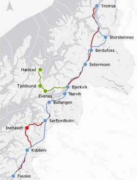<p>KREVENDE TERRENG: Fjellpartier og dype fjorder gjør at store deler av Nordnorgebanen må gå i tunnel eller på lange brostrekk. Kostnadene ved å bygge dette gjorde at Stortinget la planene om jernbane fra Fauske til Tromsø i skuffen i 1994.</p>