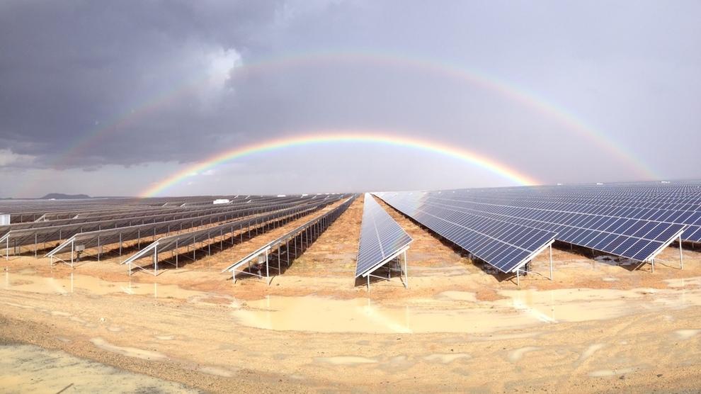 <p><b>AKSJEHOPP:</b> Scatec Solar har steget 45 prosent på Oslo Børs det siste året. Her solkraftverket Kalkbult på 75 MW i Sør-Afrika.</p>