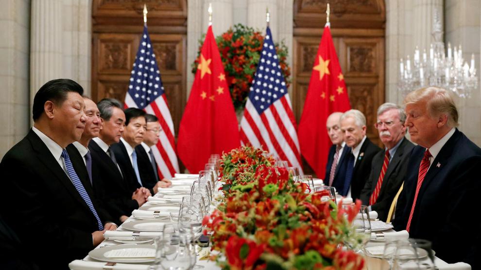 <p><b>REFSER TOLL:</b>IMF sier at tollsatser ikke kan erstatte dialog mellom land, og at handelsbarrierer vil forstyrre forsyningskjedene i verdensøkonomien. Under G20-møtet i Osaka ble USA og Kina enige om å utsette ytterlige tolløkninger mens de er i forhandlinger om en handelsavtale.</p>