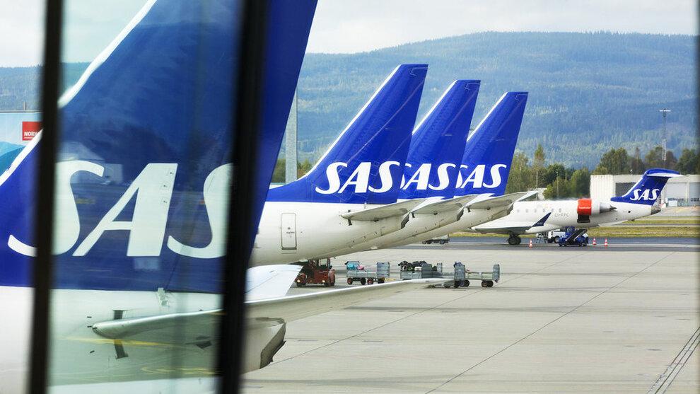 <p><b>STREIKEFARE</b>: SAS-fly kan bli stående på bakken fra og med fredag, om ikke partene kommer til enighet. I mellomtiden kan passasjerer booke om sine reiser denne helgen.</p>