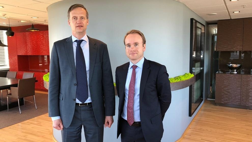 <p><b>SEB-FORVALTERE: –</b> Vi leter etter selskaper med sterke markedsposisjoner, gode forutsetninger for vekst og som ikke har en ledelse som vil vokse bare for å vokse, sierTommi Saukkoriipi (t.v.) og Jonas Linnell.</p>