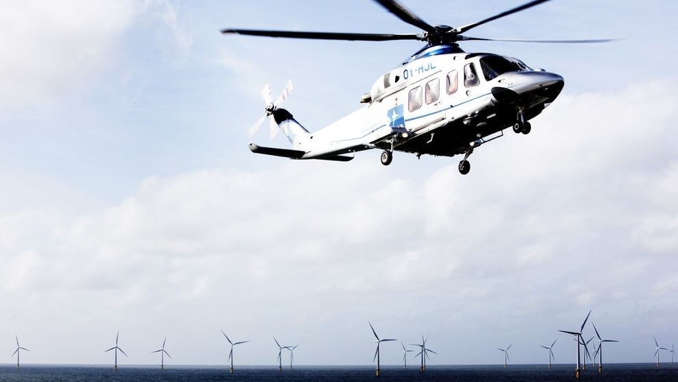 <p><b>TAR AV:</b>Flere oljeselskaper vil trolig vurdere å flytte penger fra noen av de olje- og gassprosjektene som har svakest økonomi til raskt voksende sektorer som sol og vind, tror Wood Mackenzie. Dette er danske Dong Energys havvindpark Horns Rev 2.</p>