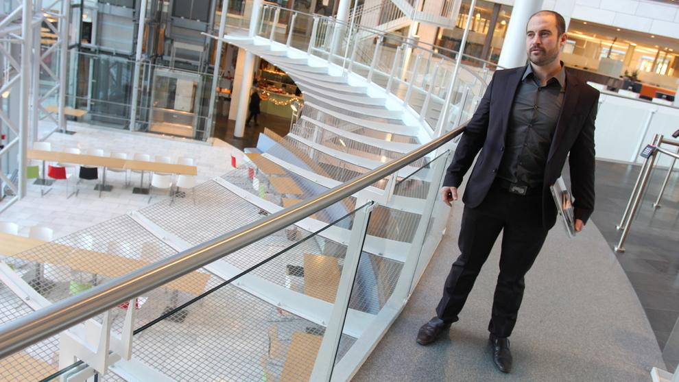<p><b>KRYPTOSJEF:</b> Stig Aleksander Kjos-Mathisen leder Kjos-familiens kryptosatsing fra Norwegians lokaler på Fornebu.</p>