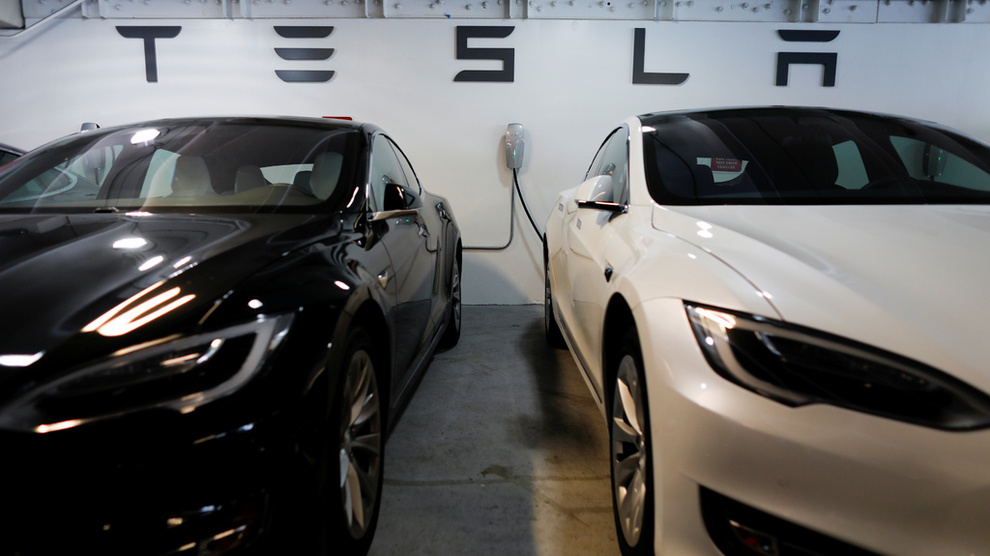 VEDDES IMOT: Tesla-aksjen er et yndet shortobjekt.