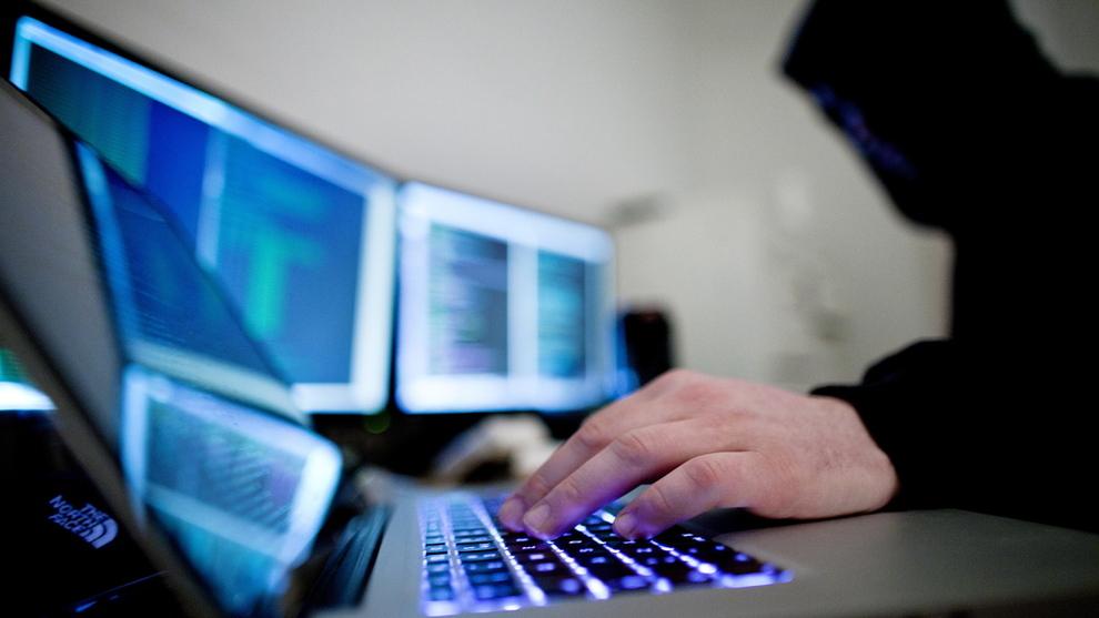 <p>BEKYMRET: Digital kriminalitet har kommet langt opp på bekymringslisten til E24s kommentator.</p>