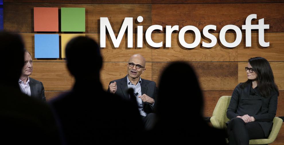 <p><b>SNUOPERASJON:</b> Microsoft-sjefSatya Nadella har snudd selskapets hovedfokus bort fra Windows og privatmarkedet over til skytjenester og bedriftskunder.</p>