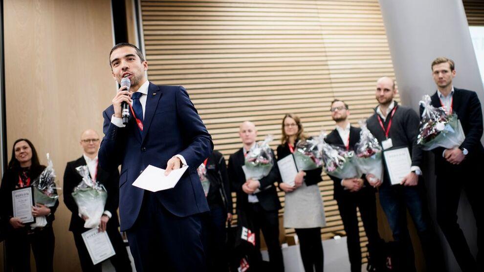 <p><b>VANT I FJOR:</b> Pablo Barrera, som er direktør med ansvar for alle innkjøp i Yara, ble årets ledertalent 2018.</p>