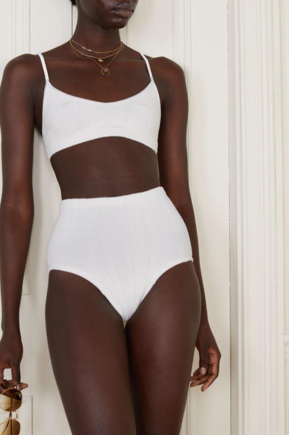 Hvit bikini med high waist-truse