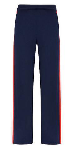 bb248a80 KLASSISK: Marineblått i kombinasjon med røde striper funker bra. Se merke  og pris i