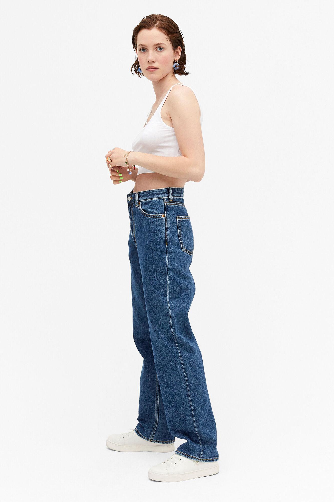 Avslappede jeans i mørkeblå vask