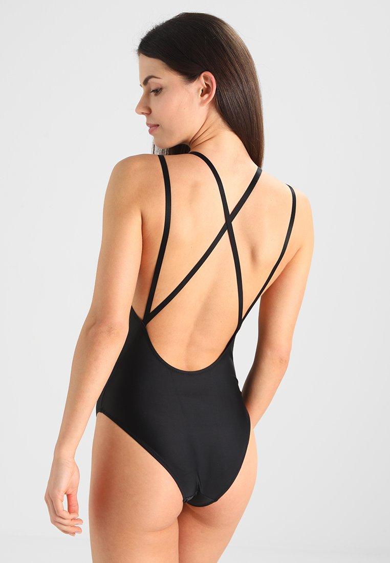 Litt mer mønster bikini