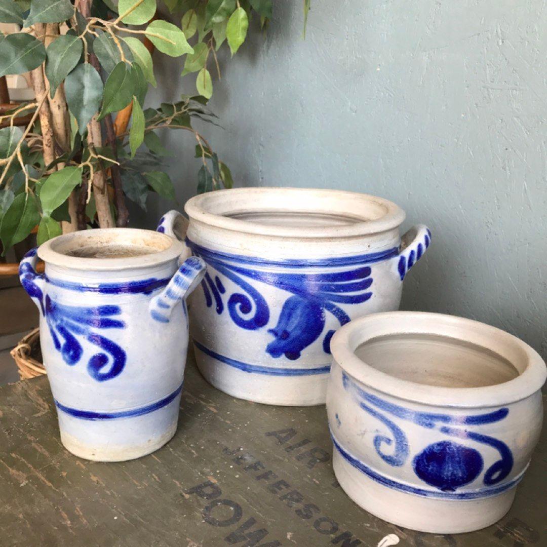 Blåt og hvite potter