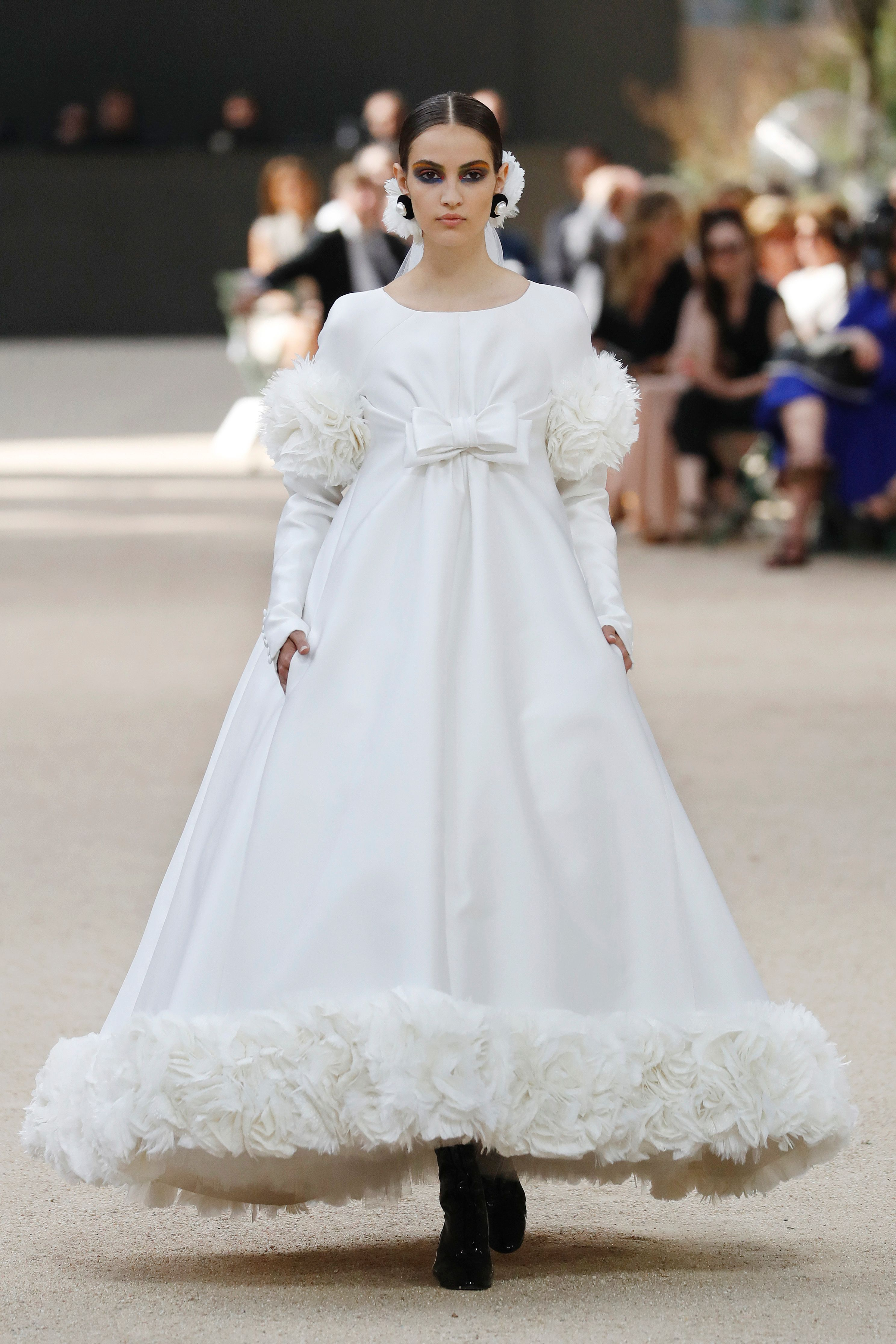 Chanel Fall 2017 Couture catwalk4