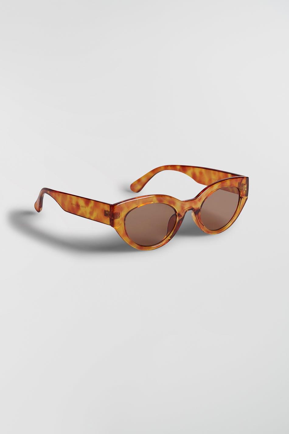 Solbriller fra Gina Tricot