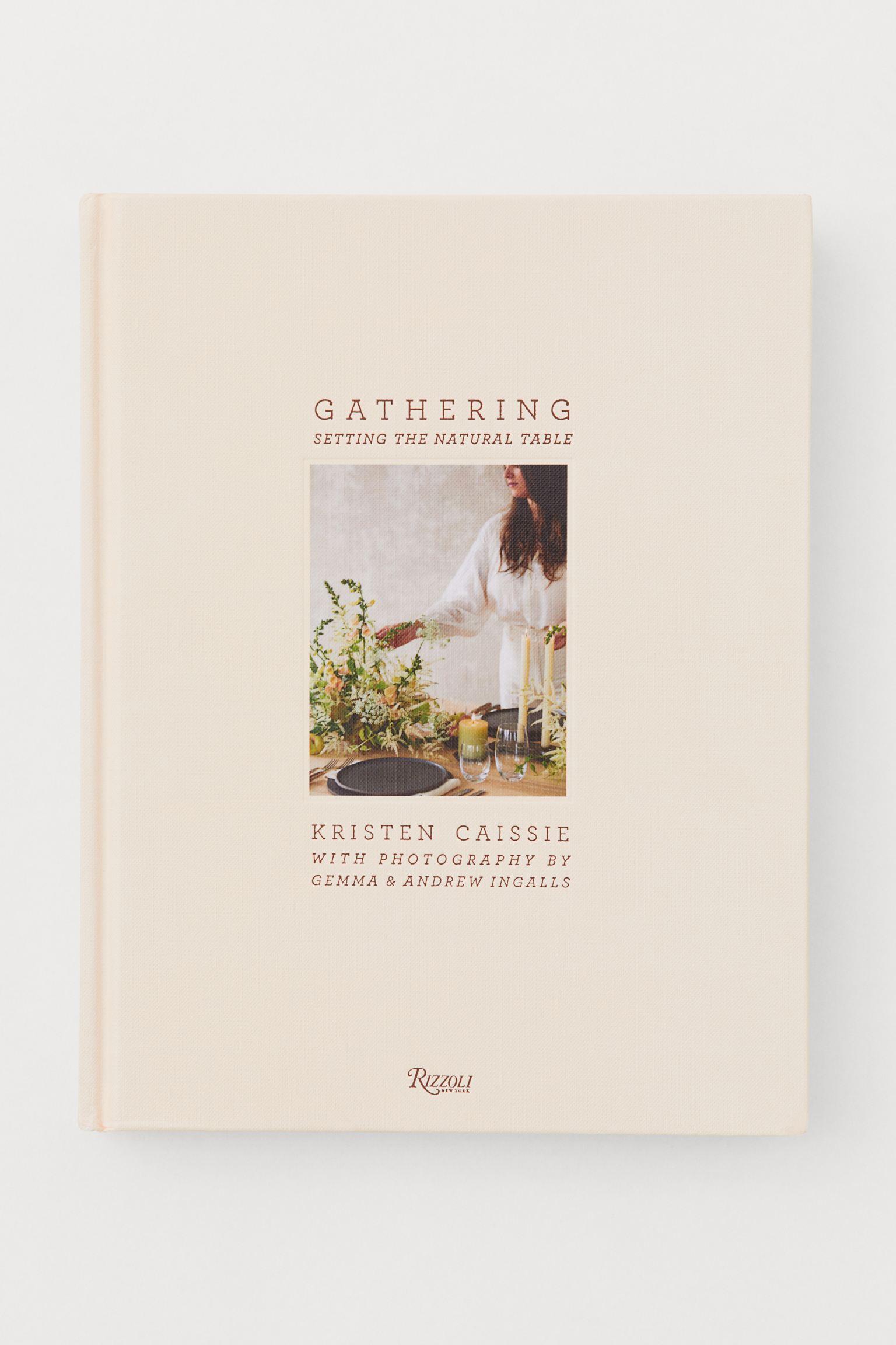 Coffee table book av Kristen Caissie
