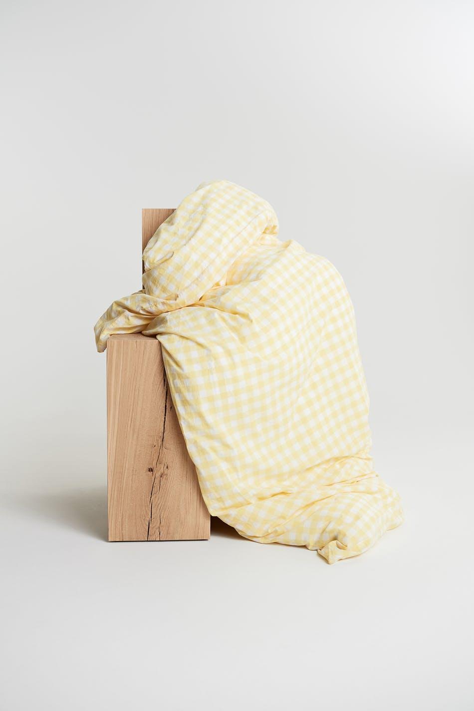 Rutete, gult sengesett