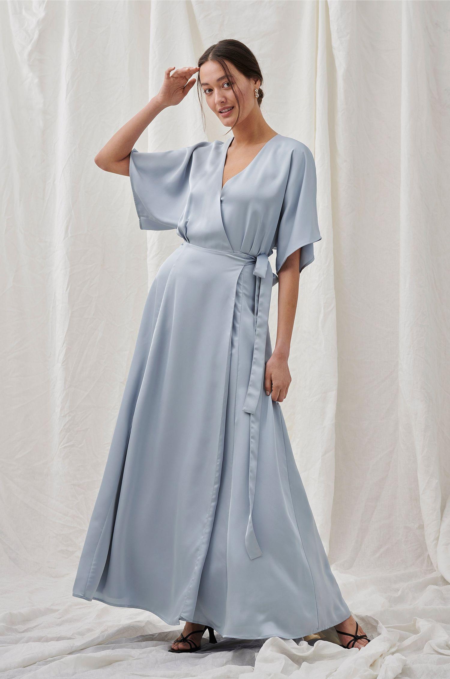 Wrap-kjole i babyblått
