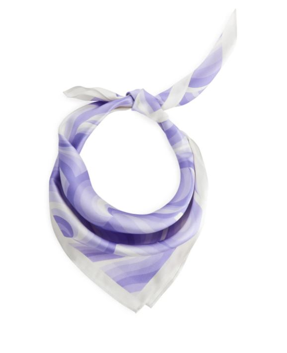 Silkesjal i lilla og hvitt
