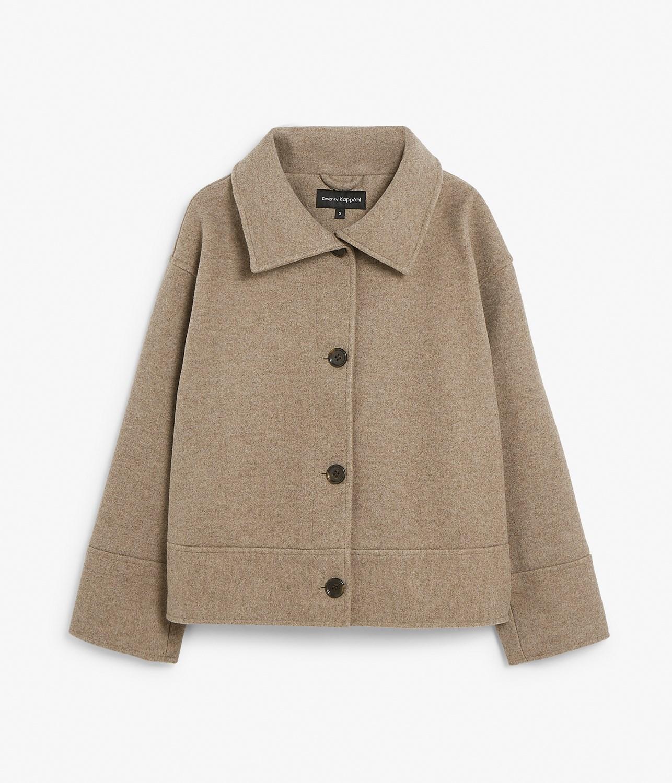Klassisk, beige jakke