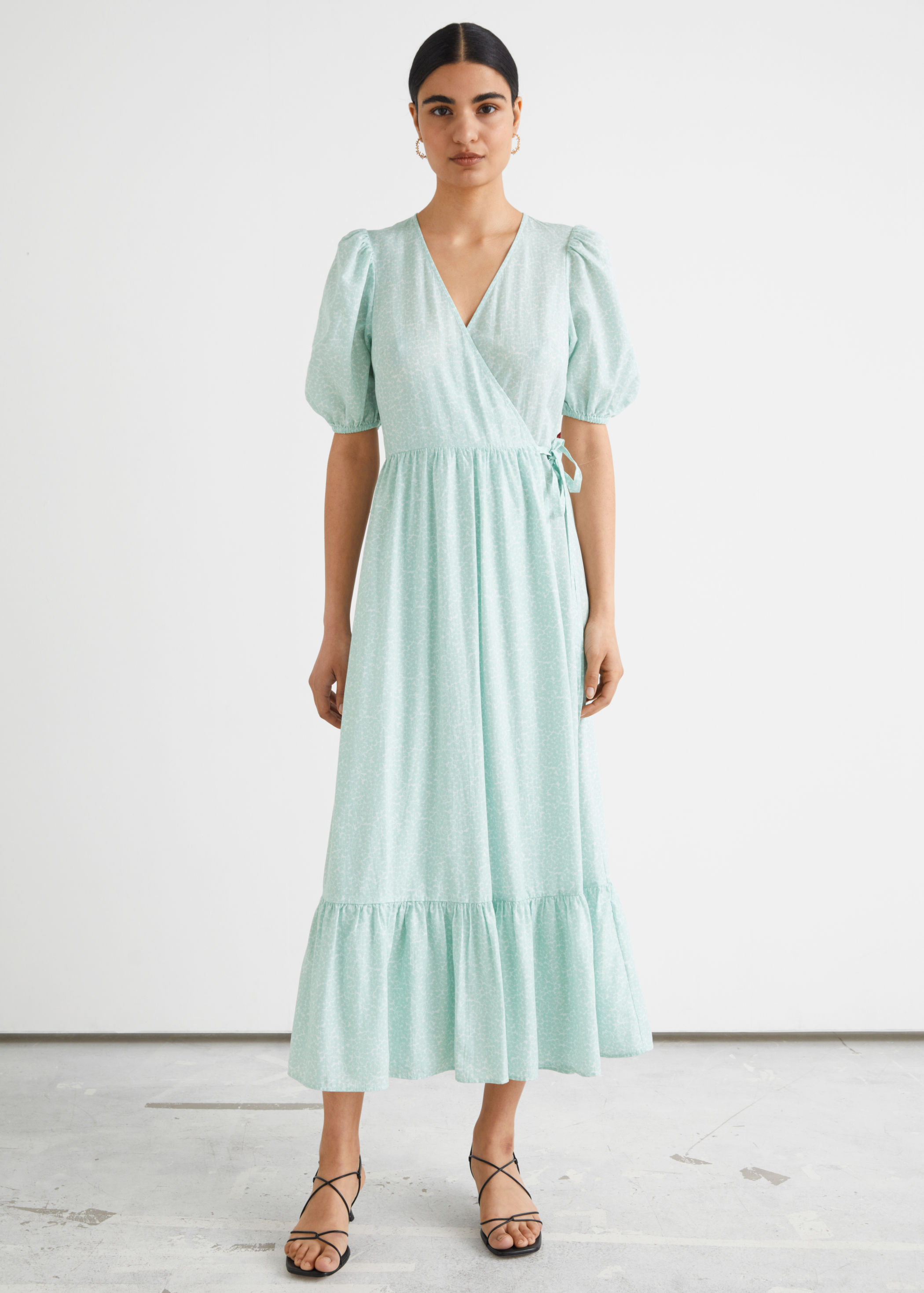 Wrap-kjole med puffermer