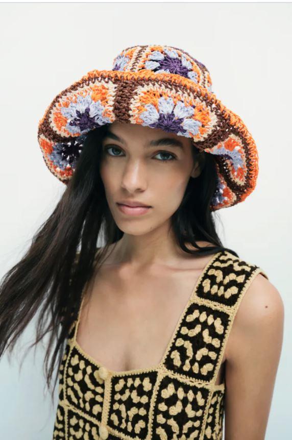 Fargerik hatt