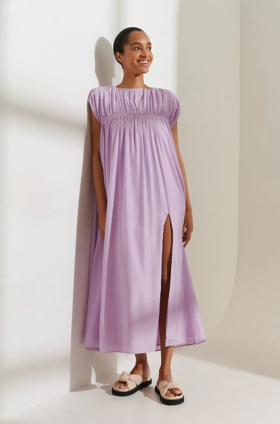 Syrinlilla kjole med rynket hals