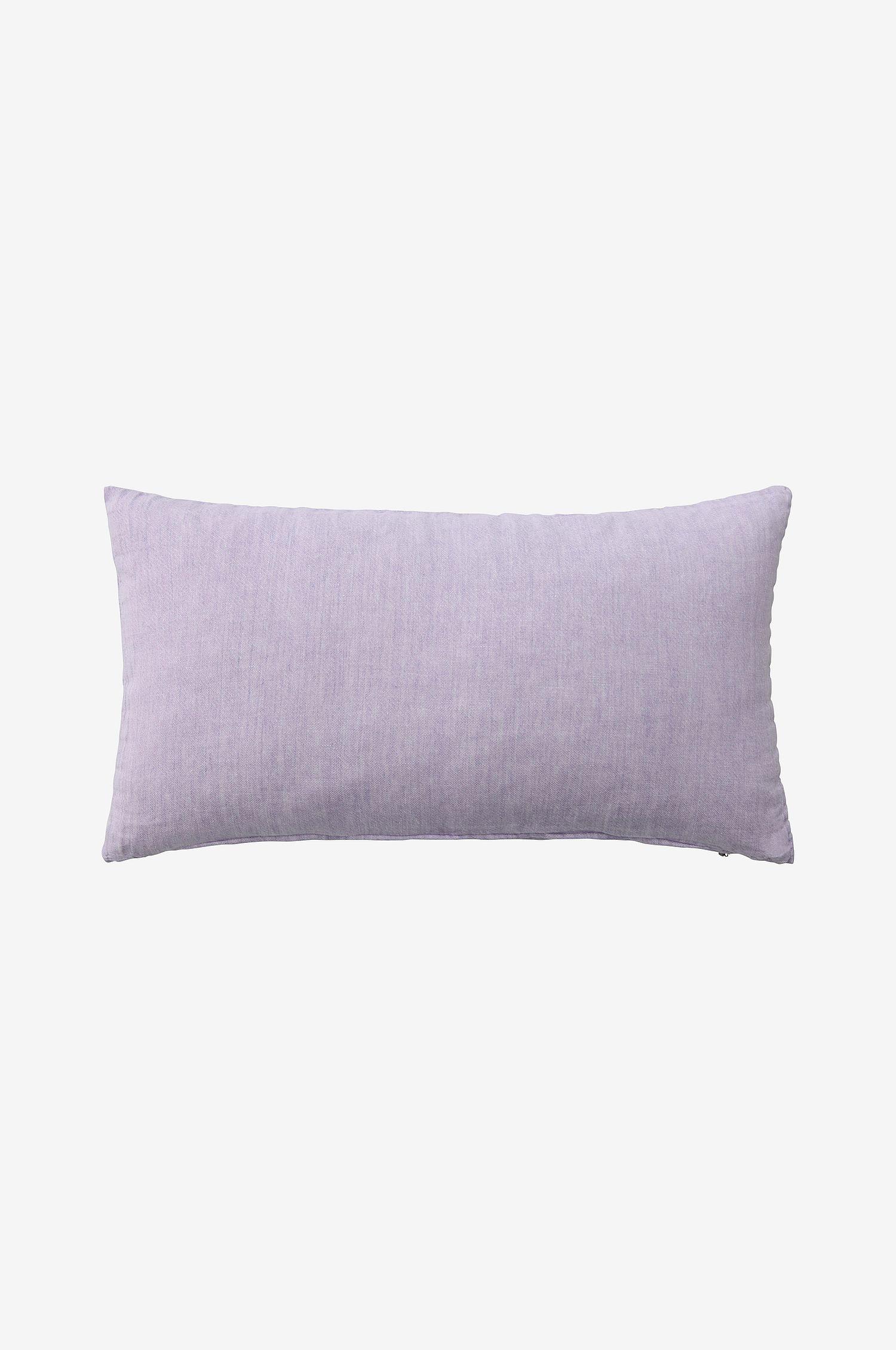 Lavendellilla pute i vasket lin