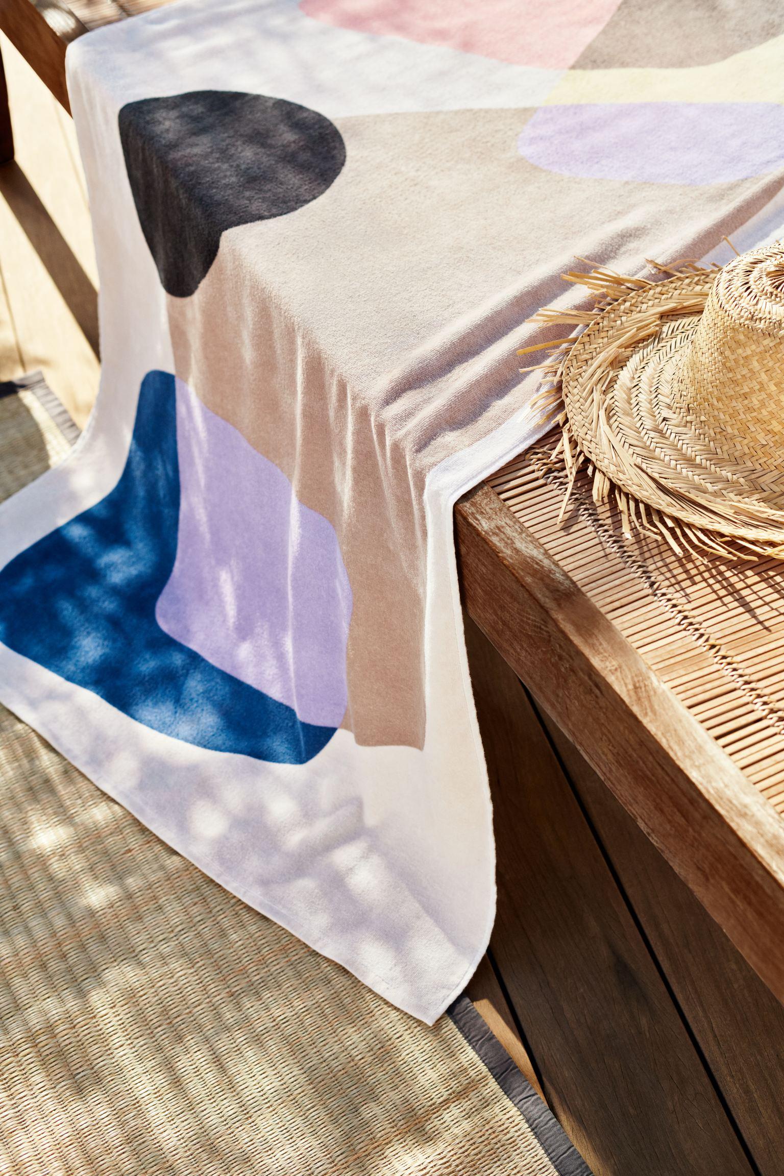 Flerfarget badehåndkle med mønster